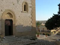 ingresso laterale Santuario Maria SS. di Custonaci - 5 settembre 2010  - Custonaci (1357 clic)