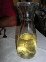 1/4 di litro - vino - La Cambusa - 12 settembre 2010  - Castellammare del golfo (4804 clic)