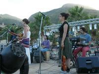 festa del 2 giugno - musica dal vivo - Concerto Libera in piazza Petrolo - 2 giugno 2010  - Castellammare del golfo (2369 clic)
