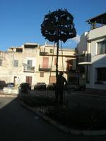 monumento dedicato alla gara dell'alzata dell'albero (Festa di li Schietti) - 2 novembre 2010 TERRAS