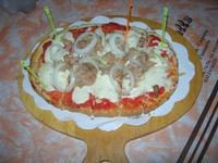 Bruschetta Stammi Lontano, con passata di pomodoro, mozzarella, tonno, cipolla - La Piazzetta - 14 luglio 2010  - Balestrate (4370 clic)