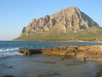 il mare e Monte Cofano - 14 marzo 2010  - Cornino (2468 clic)