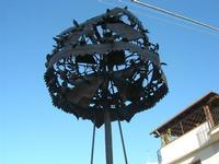 monumento dedicato alla gara dell'alzata dell'albero (Festa di li Schietti) - particolare - 2 novemb