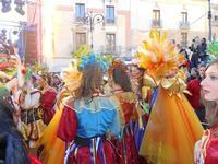 111ª edizione del Carnevale di Sciacca - sfilata corteo mascherato e dei gruppi dei carri allegorici - 6 marzo 2011  - Sciacca (1694 clic)