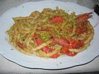 busiate con pomodorini, pistacchi e gamberi - Busith - 28 agosto 2010  - Buseto palizzolo (4410 clic)