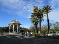 Giardino Pubblico Vittorio Emanuele - palme e chiosco - 5 dicembre 2010 CALTAGIRONE LIDIA NAVARRA