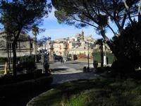 panorama della città dal Giardino Pubblico Vittorio Emanuele - 5 dicembre 2010  - Caltagirone (1701 clic)