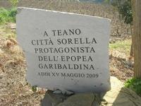 sul colle Pianto Romano - lapide con iscrizione commemorativa - 11 aprile 2010   - Calatafimi segesta (2146 clic)