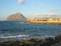 LIDO VALDERICE - scogli, mare e Monte Cofano - 14 marzo 2010  - Valderice (2110 clic)