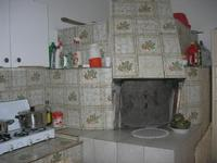 casa di campagna - angolo cucina con forno - 25 aprile 2010  - Castellammare del golfo (1598 clic)