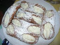 dessert: cannoli - pranzo in agriturismo - 21 marzo 2010   - Cerda (6410 clic)