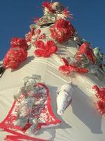albero di Natale realizzato con materiale riciclato - particolare - Piazza Angelo Scandaliato - 6 gennaio 2011  - Sciacca (1711 clic)