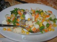 insalata di polpa di granchio e cuore di palma con vongole e mais - La Caravella - 16 gennaio 2010   - Alcamo marina (12211 clic)