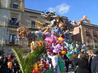 111ª edizione del Carnevale di Sciacca - sfilata corteo mascherato e dei gruppi dei carri allegorici - 6 marzo 2011  - Sciacca (1422 clic)