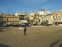 spiaggia e case - 21 febbraio 2010   - Marinella di selinunte (3173 clic)
