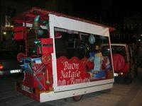 atmosfera natalizia in piazza Ciullo - 23 dicembre 2009   - Alcamo (2057 clic)
