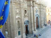dal Palazzo VII Aprile, particolare della Chiesa Madre - 9 maggio 2010   - Marsala (1576 clic)