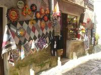 ceramiche, tappeti dell'artigianato locale e souvenir - 27 marzo 2011  - Erice (1381 clic)