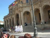 Infiorata 2010 - spettacolo nel centro storico - 16 maggio 2010  - Noto (2736 clic)