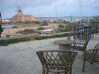 imbarcadero per l'Isola di Mozia - Saline Infersa - Mulino del sale - 7 novembre 2010  - Marsala (1559 clic)