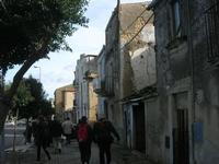 periferia - vecchie case - 4 dicembre 2010  - Caltagirone (1676 clic)