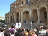 Infiorata 2010 - spettacolo nel centro storico - 16 maggio 2010  - Noto (2600 clic)