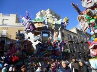 111ª edizione del Carnevale di Sciacca - sfilata corteo mascherato e dei gruppi dei carri allegorici - 6 marzo 2011  - Sciacca (1376 clic)