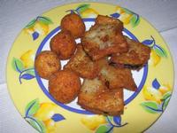 antipasto: arancinette e melanzane panate fritte - Fattoria Manostalla Villa Chiarelli - 16 gennaio 2011  - Partinico (2912 clic)