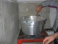 pasta fresca: maccarruna (maccheroni) - la cottura - 25 aprile 2010  - Castellammare del golfo (3148 clic)