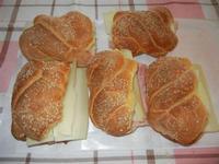 panini imbottiti con prosciutto cotto e formaggio svizzero - 12 ottobre 2011  - Alcamo (1120 clic)
