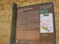 Castello Normanno - cartello turistico - 9 maggio 2010  - Mazara del vallo (2352 clic)