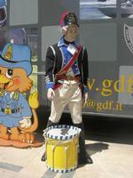 Finanza e Arte - Terza Edizione - Piazza Trigona - divisa d'epoca - 16 maggio 2010  - Noto (2633 clic)
