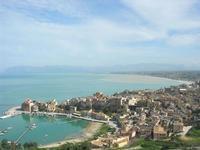 panorama: porto, città e golfo - 15 febbraio 2010   - Castellammare del golfo (1567 clic)