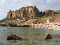 all'Isulidda - promontorio e Torre di avvistamento - 18 agosto 2010  - Macari (3621 clic)