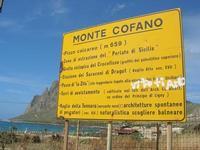 Monte Cofano - cartello turistico - 2 giugno 2010  - Cornino (4357 clic)