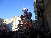 111ª edizione del Carnevale di Sciacca - sfilata corteo mascherato e dei gruppi dei carri allegorici - 6 marzo 2011  - Sciacca (1413 clic)