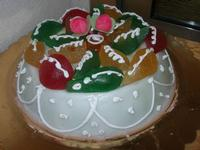 cassata siciliana per festeggiare la Pasqua - Le Corti - 19 aprile 2011  - Castellammare del golfo (1485 clic)