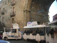 trenino turistico - visita alla città - 4 dicembre 2010  - Caltagirone (1681 clic)