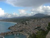 panorama della città e dell'entroterra fino al Monte Bonifato dal Belvedere - 10 settembre 2010   - Castellammare del golfo (1091 clic)
