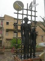 monumento - 18 aprile 2010  - San biagio platani (2891 clic)
