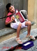 PICCOLO SUONATORE DI FISARMONICA A CEFALU'  - Cefalù (5195 clic)
