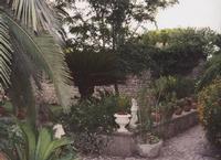 Uno scorcio del giardino di Torre Rodosta Foto di Alexa  - Modica (3745 clic)