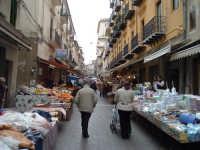 La strada 'a foglia, mercatino della città   - Caltanissetta (4002 clic)