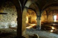 L'interno di una vecchia cantina  - Niscemi (6367 clic)