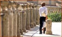 Sul piazzale della chiesa di San Giacomo CALTAGIRONE Giuseppe Cirignotta