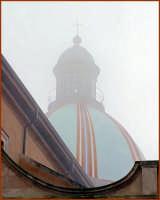 Particolare architettonico, la cupola tra la nebbia  - Caltagirone (1405 clic)