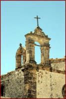 Particolare della chiesa nella piazzetta della vecchia tonnara  - Marzamemi (2635 clic)