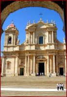 La faccita della cattedrale  - Noto (1771 clic)