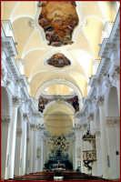 La navata centrale della cattedrale  - Noto (1952 clic)