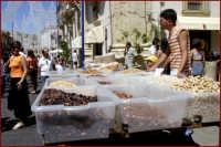 Bancarella di frutta secca  - Palazzolo acreide (2450 clic)